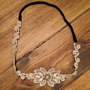 Francesca's | Floral & Pearl Forehead Headband